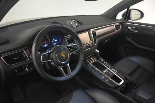 Used 2016 Porsche Macan Turbo for sale Sold at Alfa Romeo of Greenwich in Greenwich CT 06830 17