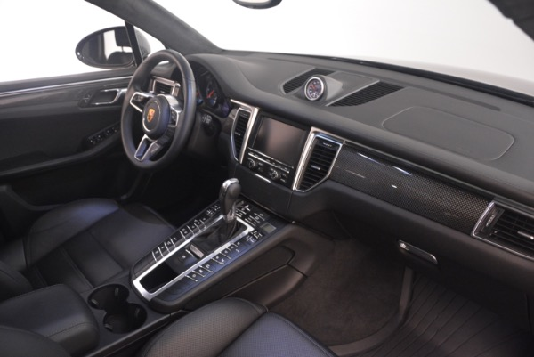 Used 2016 Porsche Macan Turbo for sale Sold at Alfa Romeo of Greenwich in Greenwich CT 06830 21