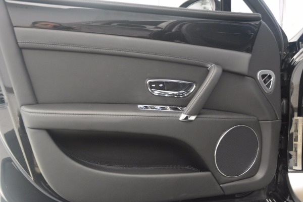 Used 2015 Bentley Flying Spur V8 for sale Call for price at Alfa Romeo of Greenwich in Greenwich CT 06830 20