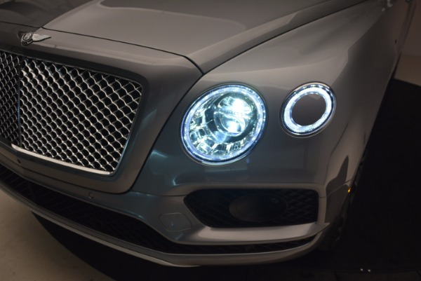 New 2018 Bentley Bentayga Onyx for sale Sold at Alfa Romeo of Greenwich in Greenwich CT 06830 17