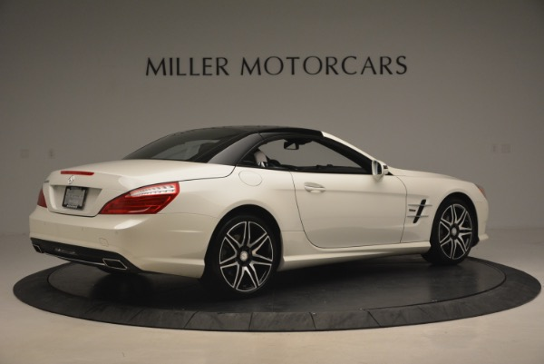 Used 2015 Mercedes Benz SL-Class SL 550 for sale Sold at Alfa Romeo of Greenwich in Greenwich CT 06830 22