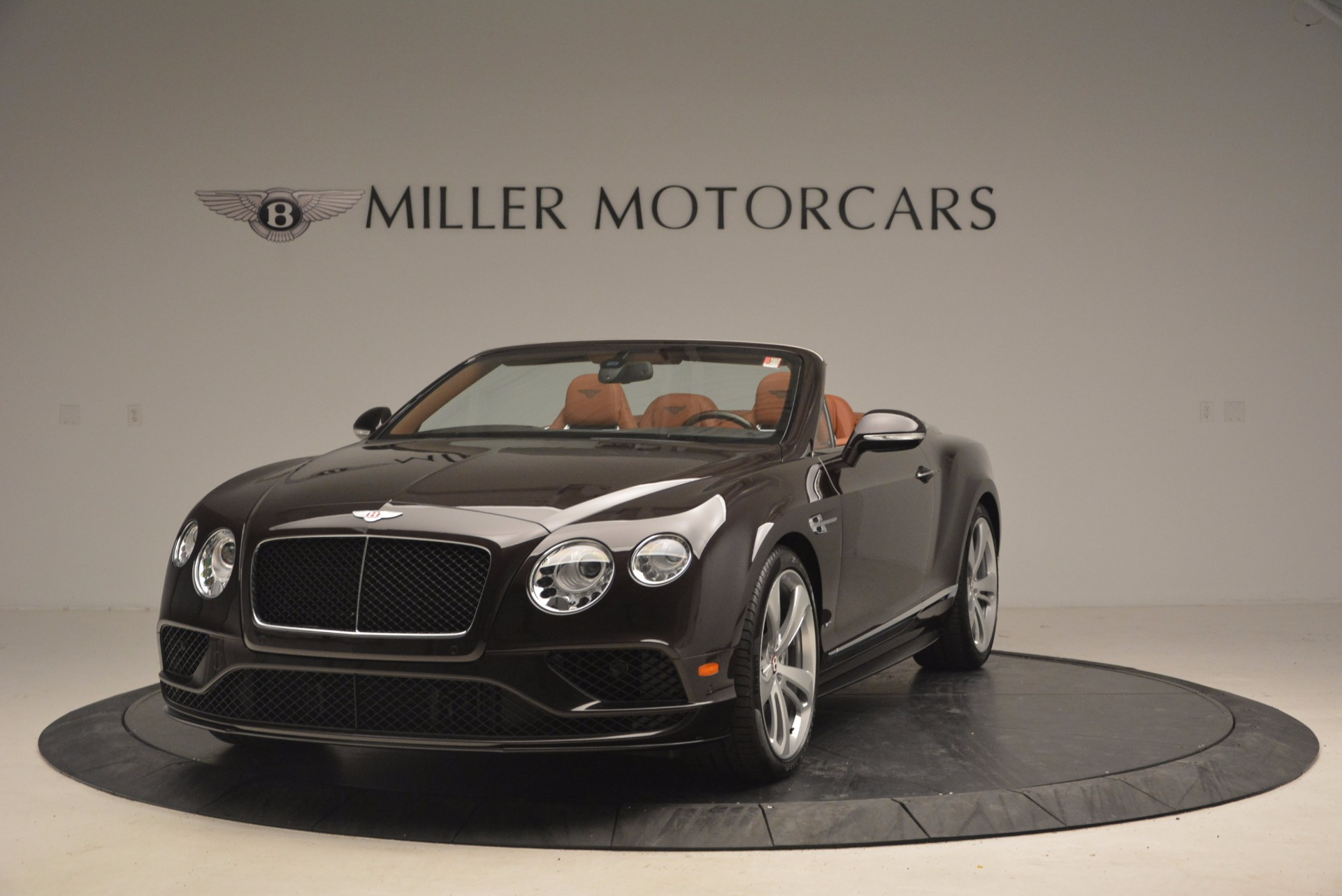 Used 2017 Bentley Continental GTC V8 S for sale $159,900 at Alfa Romeo of Greenwich in Greenwich CT 06830 1