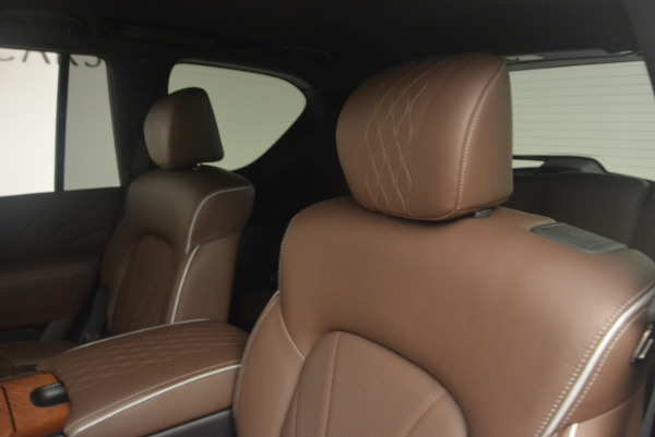 Used 2015 INFINITI QX80 Limited 4WD for sale Sold at Alfa Romeo of Greenwich in Greenwich CT 06830 17
