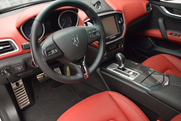 Used 2015 Maserati Ghibli S Q4 for sale Sold at Alfa Romeo of Greenwich in Greenwich CT 06830 13