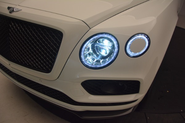 Used 2018 Bentley Bentayga Black Edition for sale Call for price at Alfa Romeo of Greenwich in Greenwich CT 06830 17