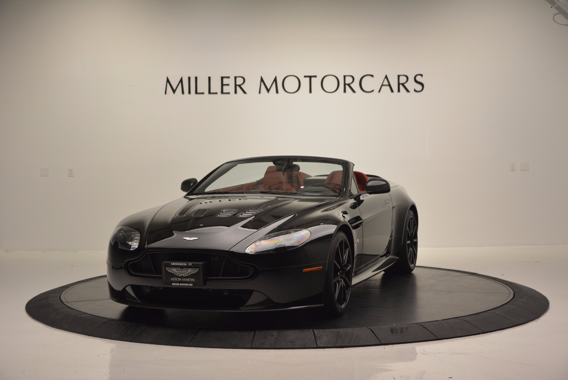 Used 2015 Aston Martin V12 Vantage S Roadster for sale Sold at Alfa Romeo of Greenwich in Greenwich CT 06830 1