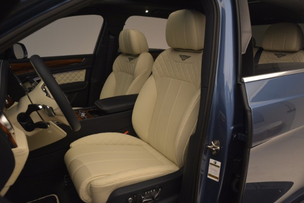 New 2018 Bentley Bentayga for sale Sold at Alfa Romeo of Greenwich in Greenwich CT 06830 24