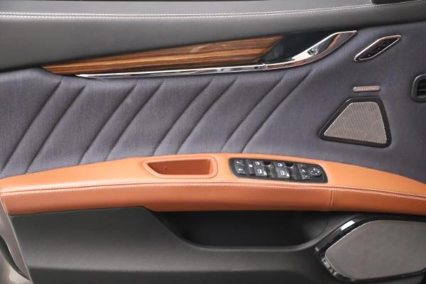 Used 2017 Maserati Quattroporte SQ4 GranLusso/ Zegna for sale $62,900 at Alfa Romeo of Greenwich in Greenwich CT 06830 17