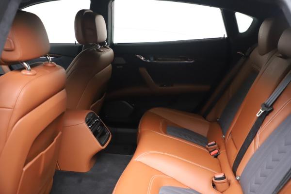Used 2017 Maserati Quattroporte SQ4 GranLusso/ Zegna for sale $62,900 at Alfa Romeo of Greenwich in Greenwich CT 06830 18