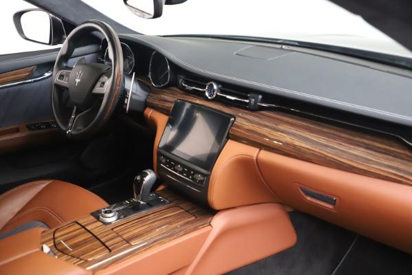 Used 2017 Maserati Quattroporte SQ4 GranLusso/ Zegna for sale $62,900 at Alfa Romeo of Greenwich in Greenwich CT 06830 19