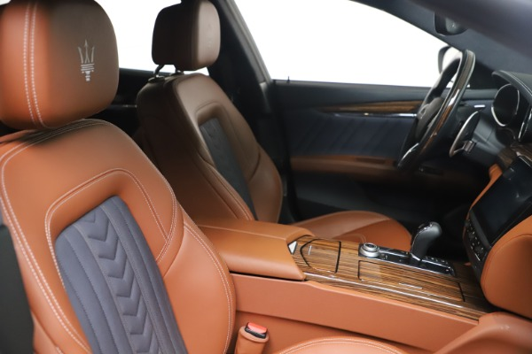 Used 2017 Maserati Quattroporte SQ4 GranLusso/ Zegna for sale $62,900 at Alfa Romeo of Greenwich in Greenwich CT 06830 20