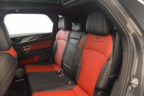 Used 2018 Bentley Bentayga W12 Signature for sale Sold at Alfa Romeo of Greenwich in Greenwich CT 06830 27