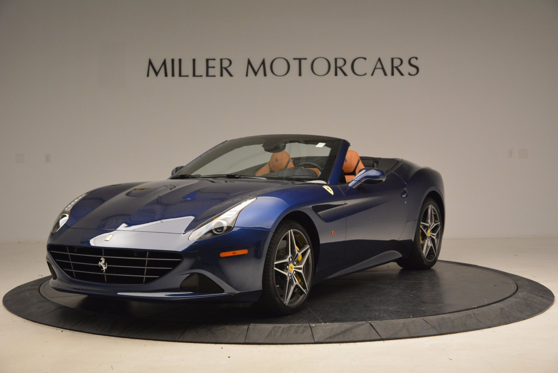 Used 2017 Ferrari California T Handling Speciale for sale Sold at Alfa Romeo of Greenwich in Greenwich CT 06830 1