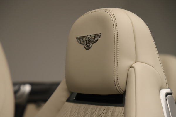 Used 2016 Bentley Continental GTC V8 S for sale $142,900 at Alfa Romeo of Greenwich in Greenwich CT 06830 25