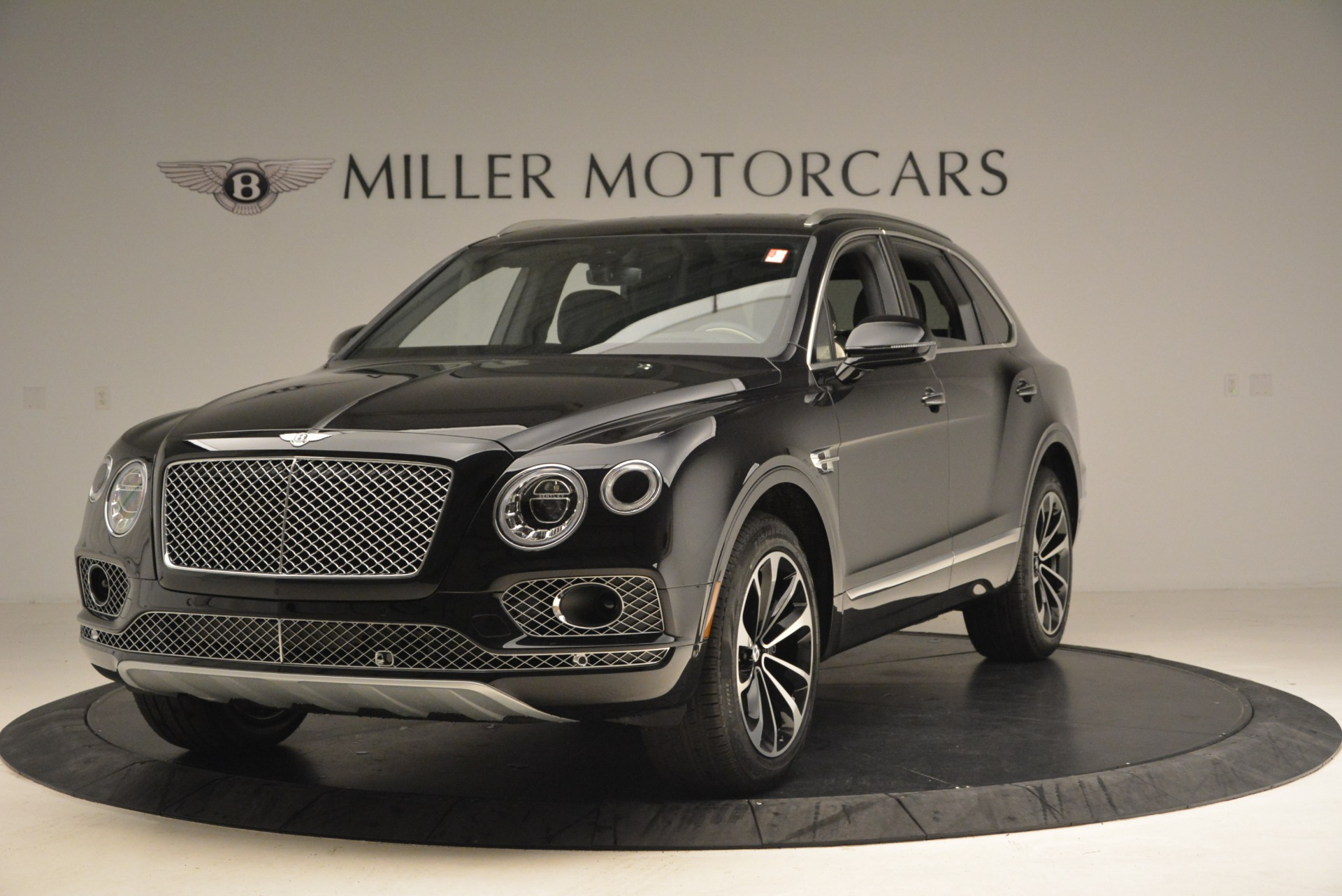 New 2018 Bentley Bentayga Signature for sale Sold at Alfa Romeo of Greenwich in Greenwich CT 06830 1