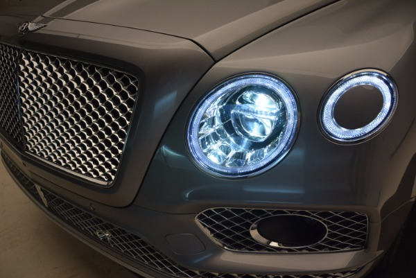 New 2018 Bentley Bentayga for sale Sold at Alfa Romeo of Greenwich in Greenwich CT 06830 16