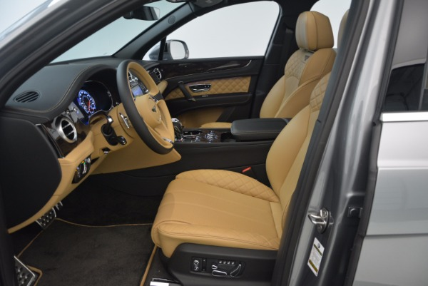 New 2018 Bentley Bentayga for sale Sold at Alfa Romeo of Greenwich in Greenwich CT 06830 27