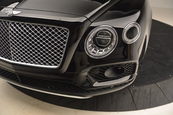 Used 2018 Bentley Bentayga Onyx Edition for sale $149,900 at Alfa Romeo of Greenwich in Greenwich CT 06830 14