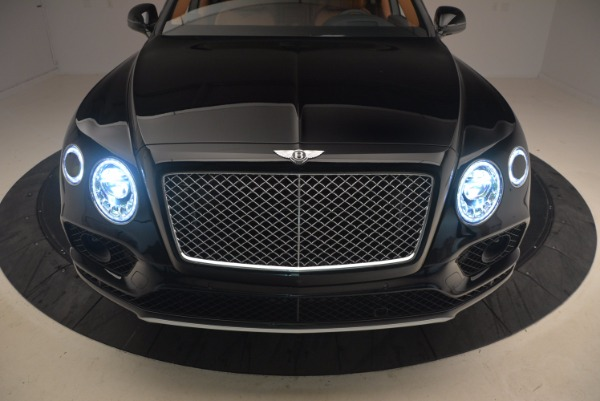 Used 2018 Bentley Bentayga Onyx Edition for sale $149,900 at Alfa Romeo of Greenwich in Greenwich CT 06830 16