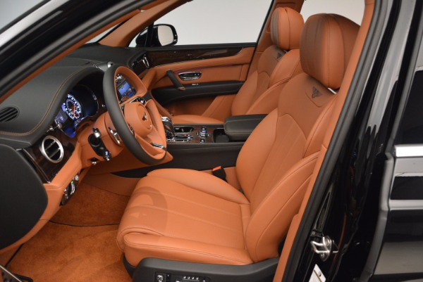 Used 2018 Bentley Bentayga Onyx Edition for sale $149,900 at Alfa Romeo of Greenwich in Greenwich CT 06830 24