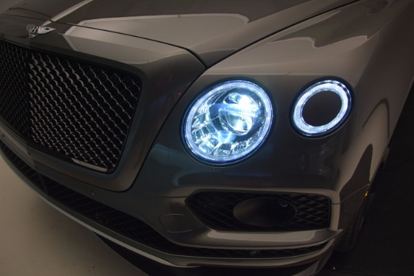 New 2018 Bentley Bentayga Black Edition for sale Sold at Alfa Romeo of Greenwich in Greenwich CT 06830 18
