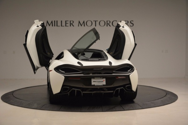 Used 2017 McLaren 570GT for sale Sold at Alfa Romeo of Greenwich in Greenwich CT 06830 25