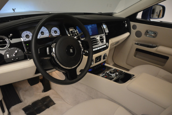 Used 2010 Rolls-Royce Ghost for sale Call for price at Alfa Romeo of Greenwich in Greenwich CT 06830 19