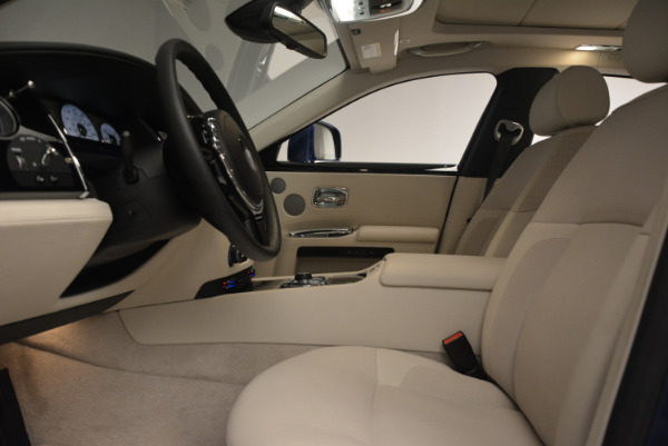 Used 2010 Rolls-Royce Ghost for sale Call for price at Alfa Romeo of Greenwich in Greenwich CT 06830 20