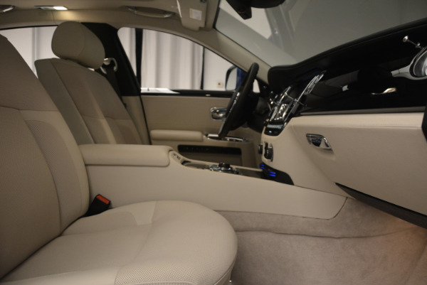 Used 2010 Rolls-Royce Ghost for sale Call for price at Alfa Romeo of Greenwich in Greenwich CT 06830 21