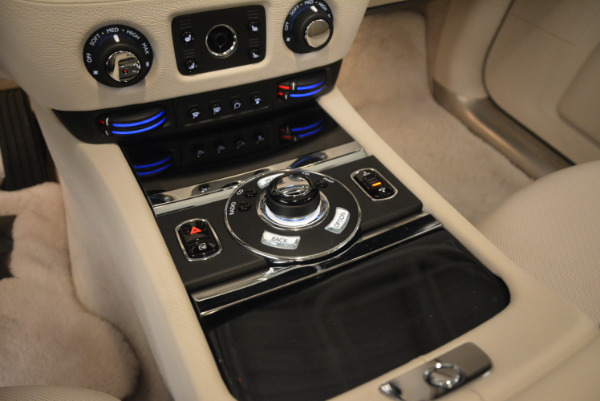 Used 2010 Rolls-Royce Ghost for sale Call for price at Alfa Romeo of Greenwich in Greenwich CT 06830 22