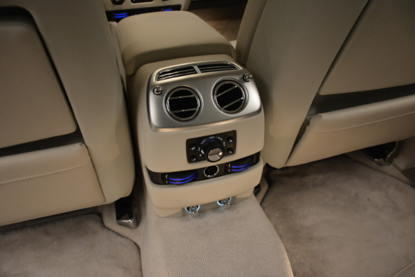 Used 2010 Rolls-Royce Ghost for sale Call for price at Alfa Romeo of Greenwich in Greenwich CT 06830 27