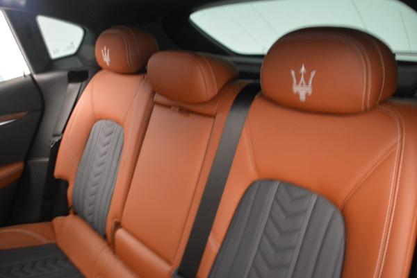 Used 2018 Maserati Levante Q4 GranLusso for sale $59,900 at Alfa Romeo of Greenwich in Greenwich CT 06830 17