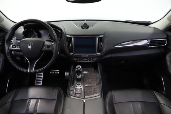Used 2018 Maserati Levante SQ4 GranSport for sale $55,900 at Alfa Romeo of Greenwich in Greenwich CT 06830 16