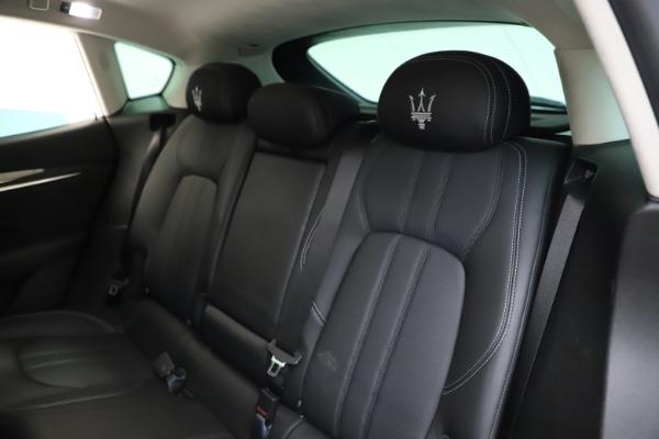 Used 2018 Maserati Levante SQ4 GranSport for sale $55,900 at Alfa Romeo of Greenwich in Greenwich CT 06830 18