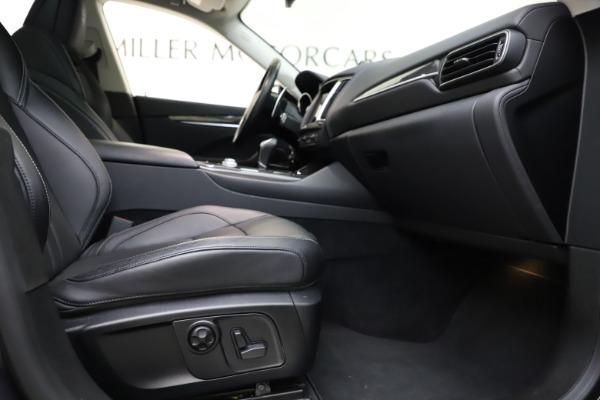 Used 2018 Maserati Levante SQ4 GranSport for sale $55,900 at Alfa Romeo of Greenwich in Greenwich CT 06830 23