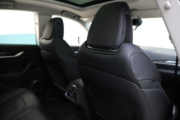 Used 2018 Maserati Levante SQ4 GranSport for sale $55,900 at Alfa Romeo of Greenwich in Greenwich CT 06830 28