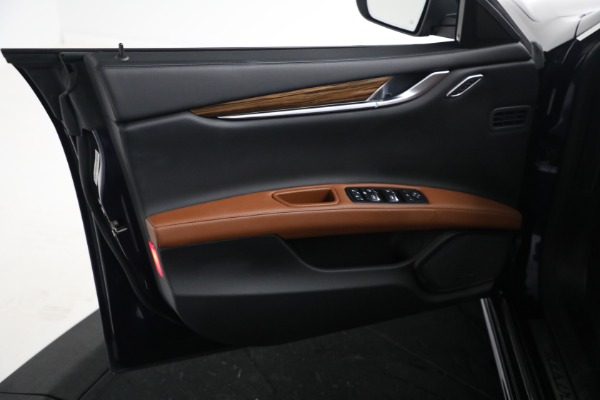 Used 2018 Maserati Ghibli S Q4 GranLusso for sale $56,900 at Alfa Romeo of Greenwich in Greenwich CT 06830 15
