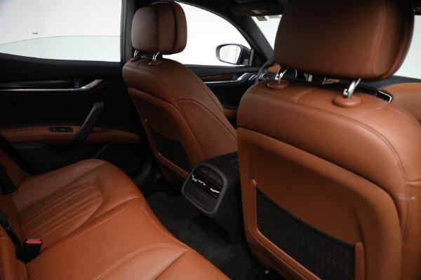 Used 2018 Maserati Ghibli S Q4 GranLusso for sale $56,900 at Alfa Romeo of Greenwich in Greenwich CT 06830 23
