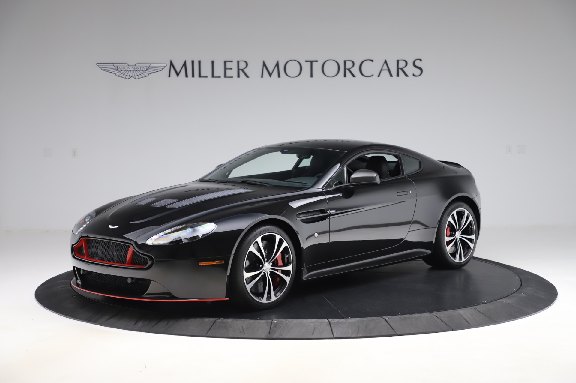 Used 2017 Aston Martin V12 Vantage S Coupe for sale $179,900 at Alfa Romeo of Greenwich in Greenwich CT 06830 1