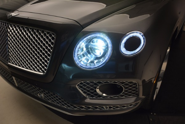 New 2018 Bentley Bentayga Signature for sale Sold at Alfa Romeo of Greenwich in Greenwich CT 06830 20