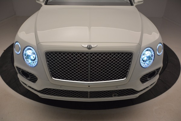 Used 2018 Bentley Bentayga Onyx for sale Call for price at Alfa Romeo of Greenwich in Greenwich CT 06830 14