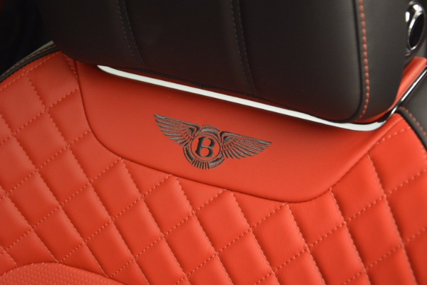 Used 2018 Bentley Bentayga Onyx for sale Call for price at Alfa Romeo of Greenwich in Greenwich CT 06830 20