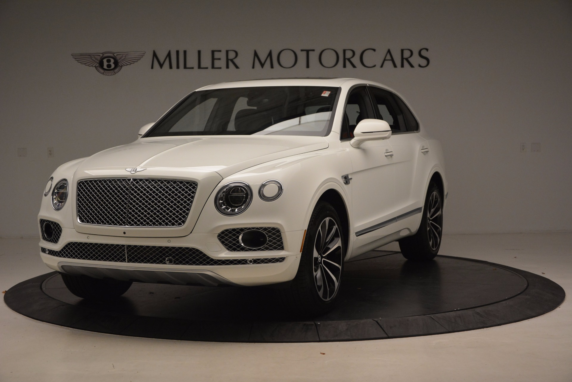 Used 2018 Bentley Bentayga Onyx for sale Call for price at Alfa Romeo of Greenwich in Greenwich CT 06830 1