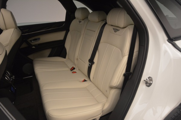 Used 2018 Bentley Bentayga Onyx for sale Sold at Alfa Romeo of Greenwich in Greenwich CT 06830 21