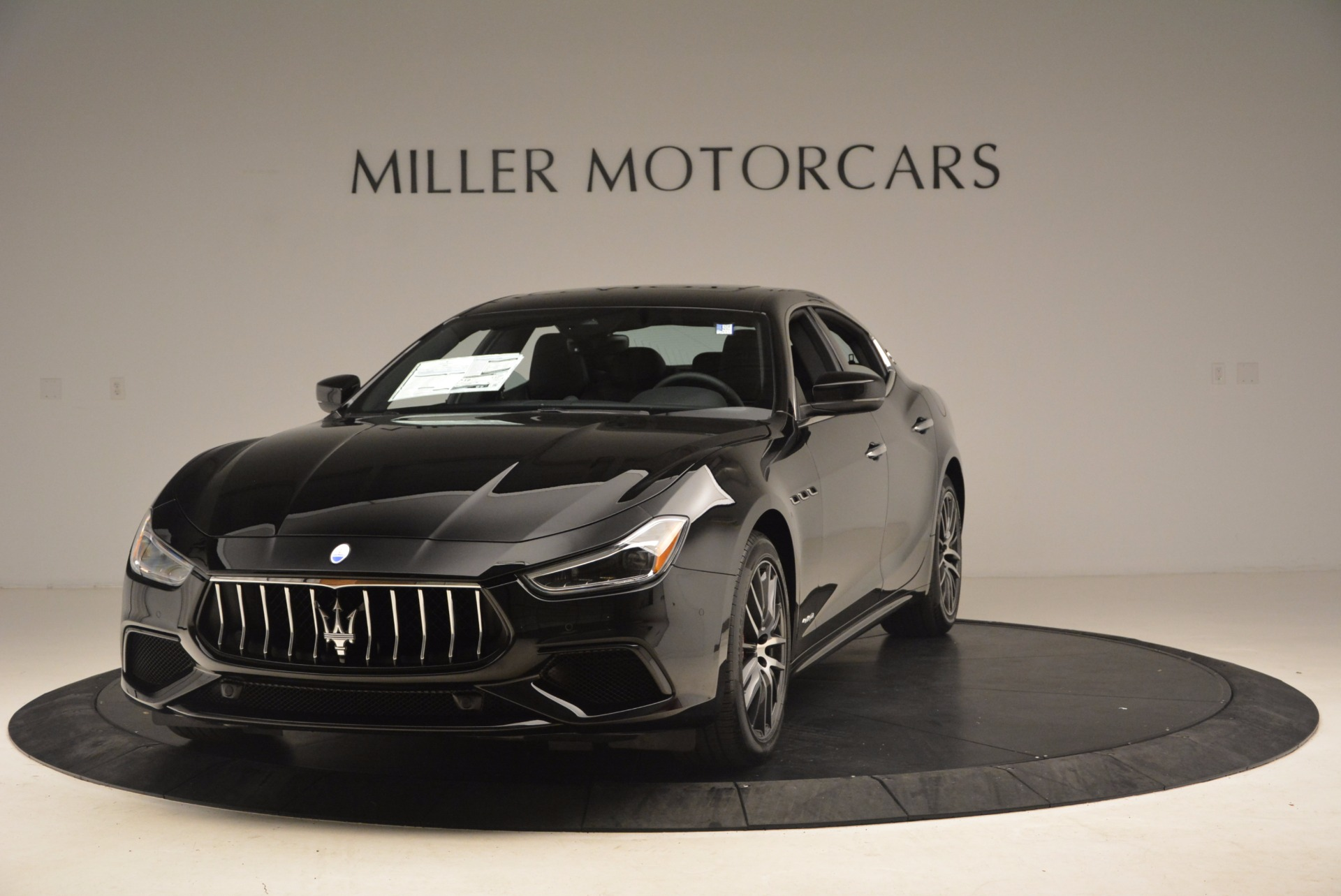 Used 2018 Maserati Ghibli S Q4 Gransport for sale Sold at Alfa Romeo of Greenwich in Greenwich CT 06830 1
