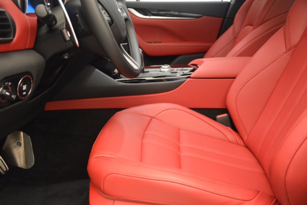 New 2018 Maserati Levante Q4 GranSport for sale Sold at Alfa Romeo of Greenwich in Greenwich CT 06830 14