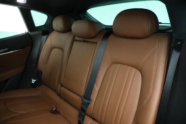 Used 2018 Maserati Levante Q4 for sale $57,900 at Alfa Romeo of Greenwich in Greenwich CT 06830 17