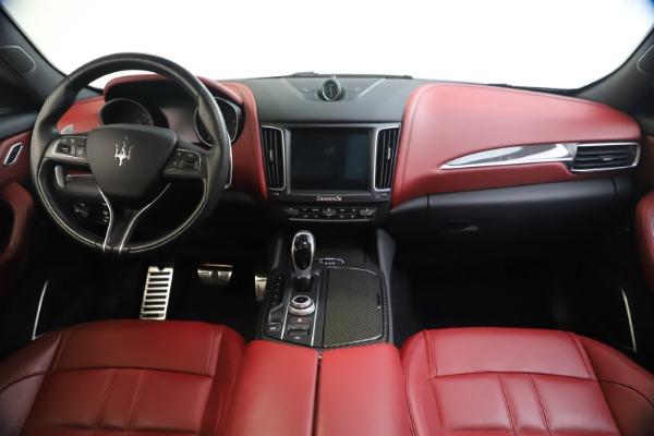 Used 2018 Maserati Levante S GranSport for sale $63,900 at Alfa Romeo of Greenwich in Greenwich CT 06830 17