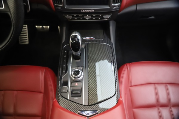 Used 2018 Maserati Levante S GranSport for sale $63,900 at Alfa Romeo of Greenwich in Greenwich CT 06830 28