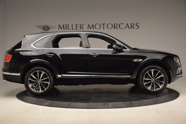 Used 2018 Bentley Bentayga Onyx Edition for sale $139,900 at Alfa Romeo of Greenwich in Greenwich CT 06830 11